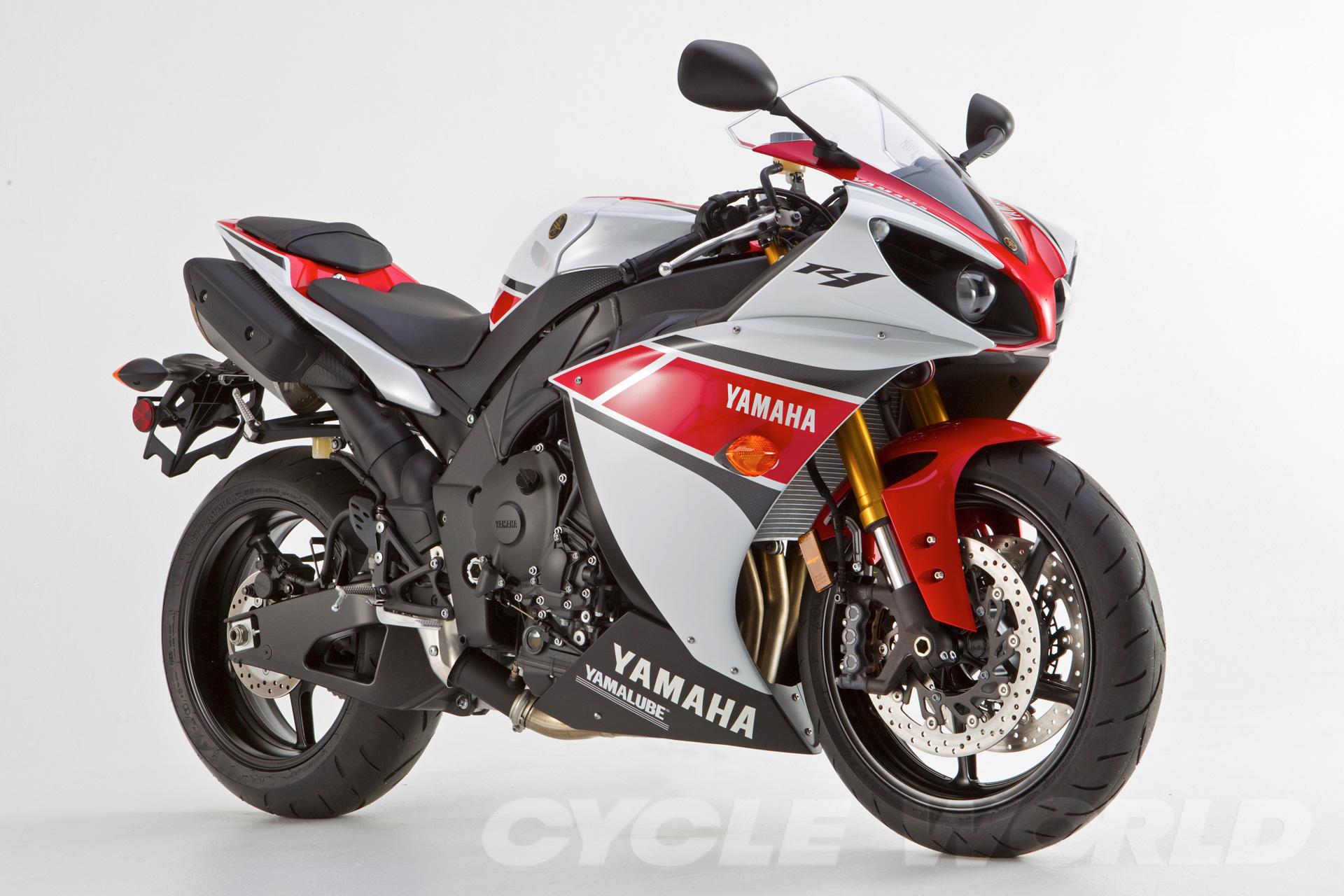 http://com.cycleworld.s3.amazonaws.com/wp-content/uploads/2011/09/2012-yamaha-yzf-r1_001.jpg